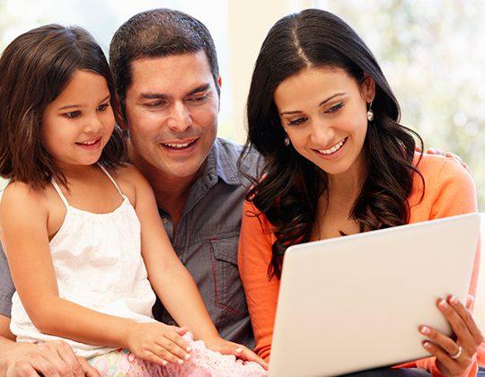 ¿Están los padres de familia y estudiantes observando en tiempo real las calificaciones de las actividades realizadas?